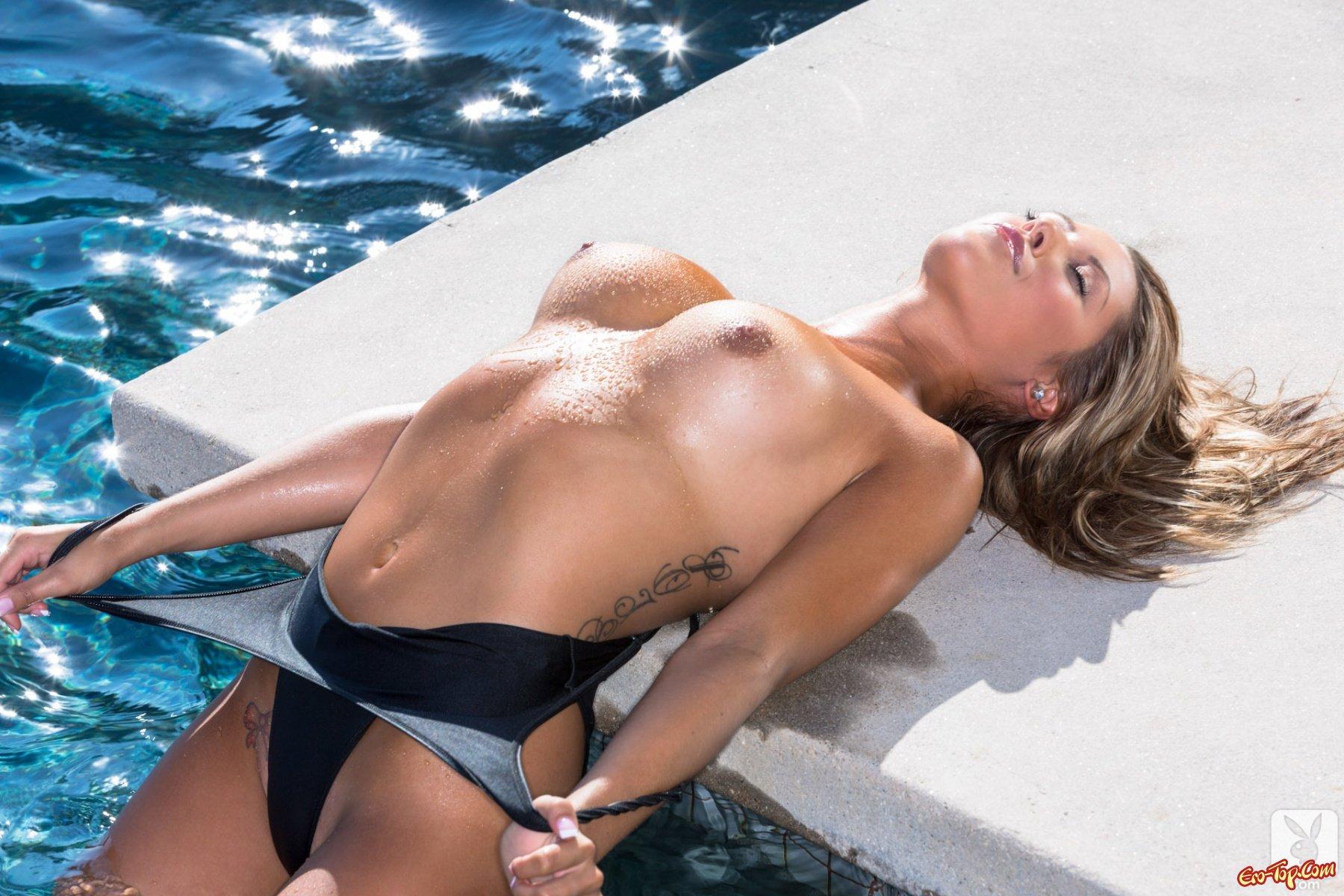 приносило красивые фото обнаженных девушек в купальниках и без была невысокого