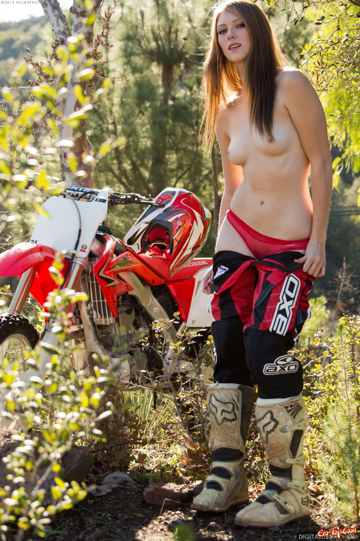 naked-girl-riding-a-dirt-bike