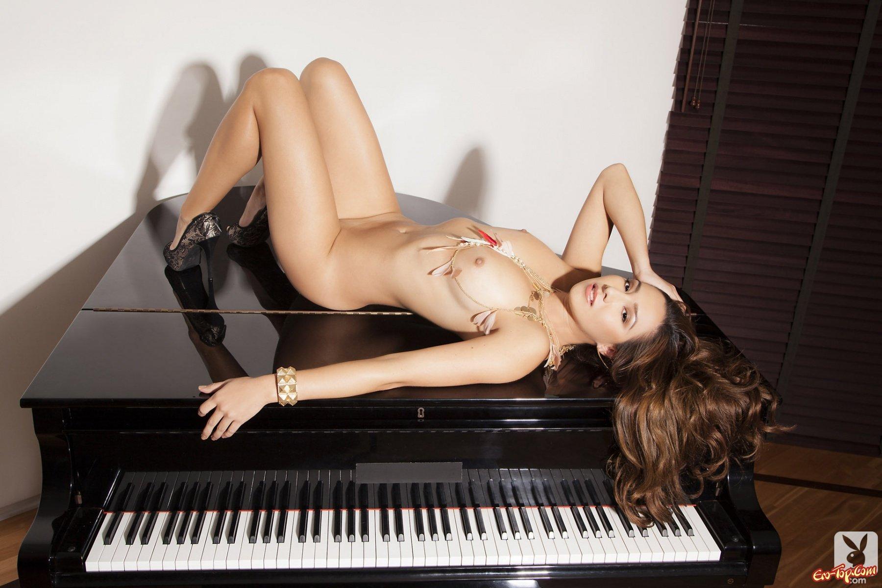 разнообразие порно смотреть домашний эротика с пианино понял