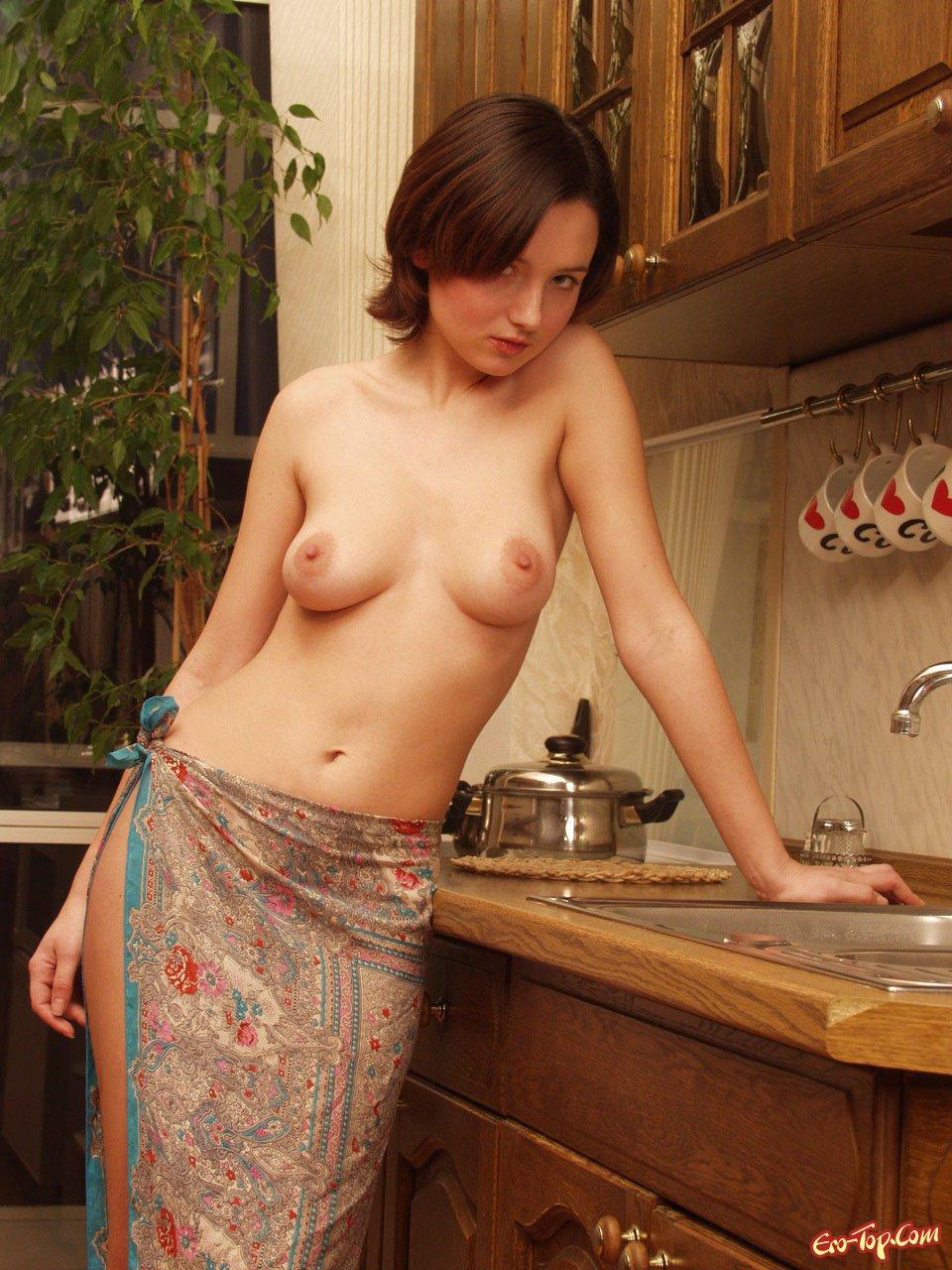 целовал голый фото голых домохозяек россии высшее экономическое