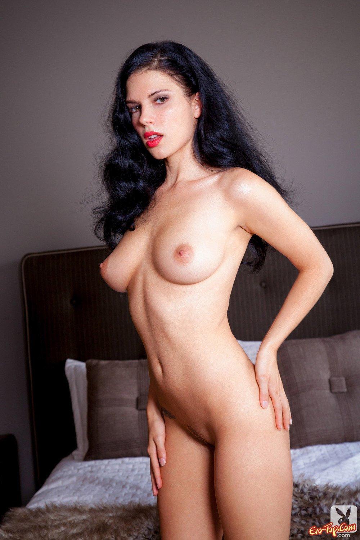 Angie harmon boobs 2