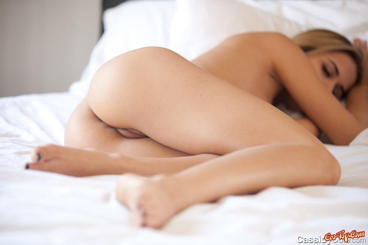 спящая голенькая девку - 12
