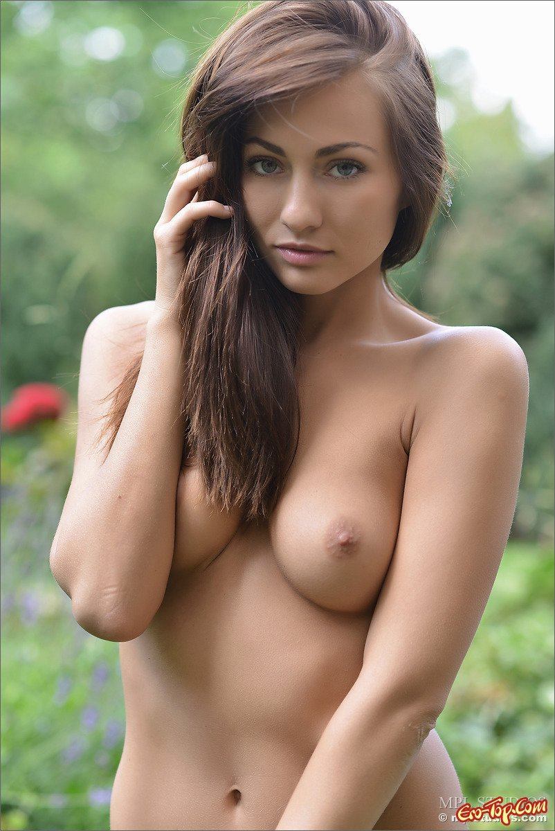 Beautiful nude thumbs, mens naked photos