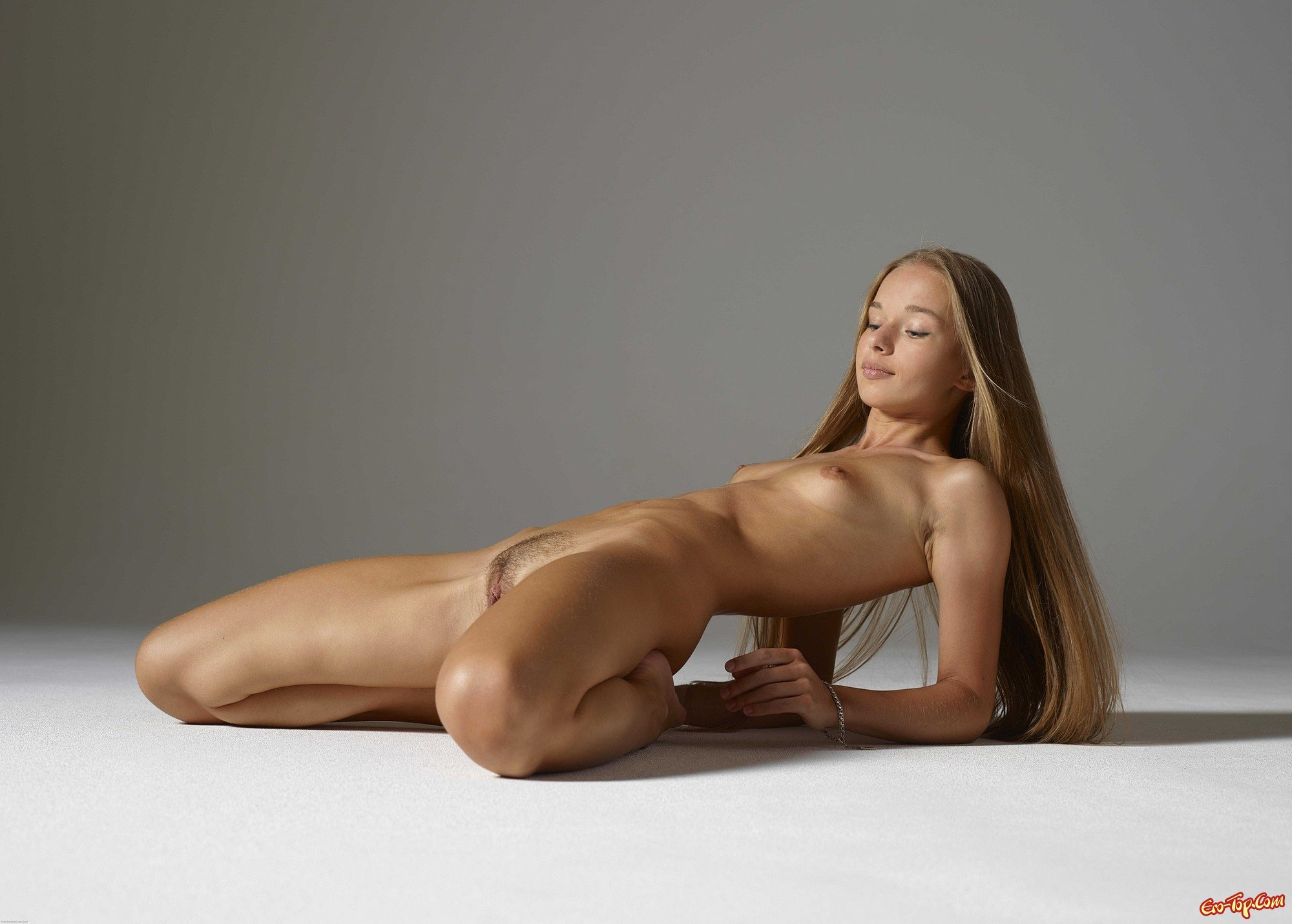 young-artistic-nude