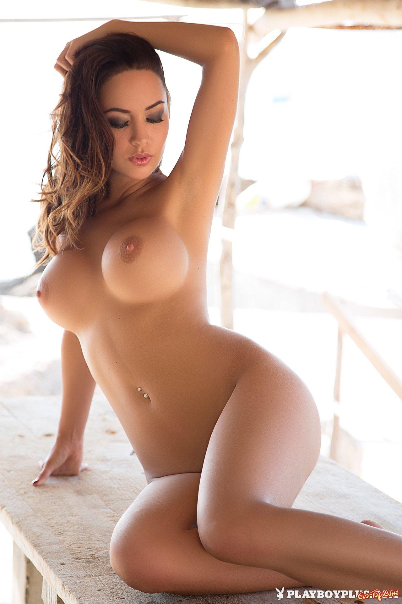 сисястые голые модели на фото