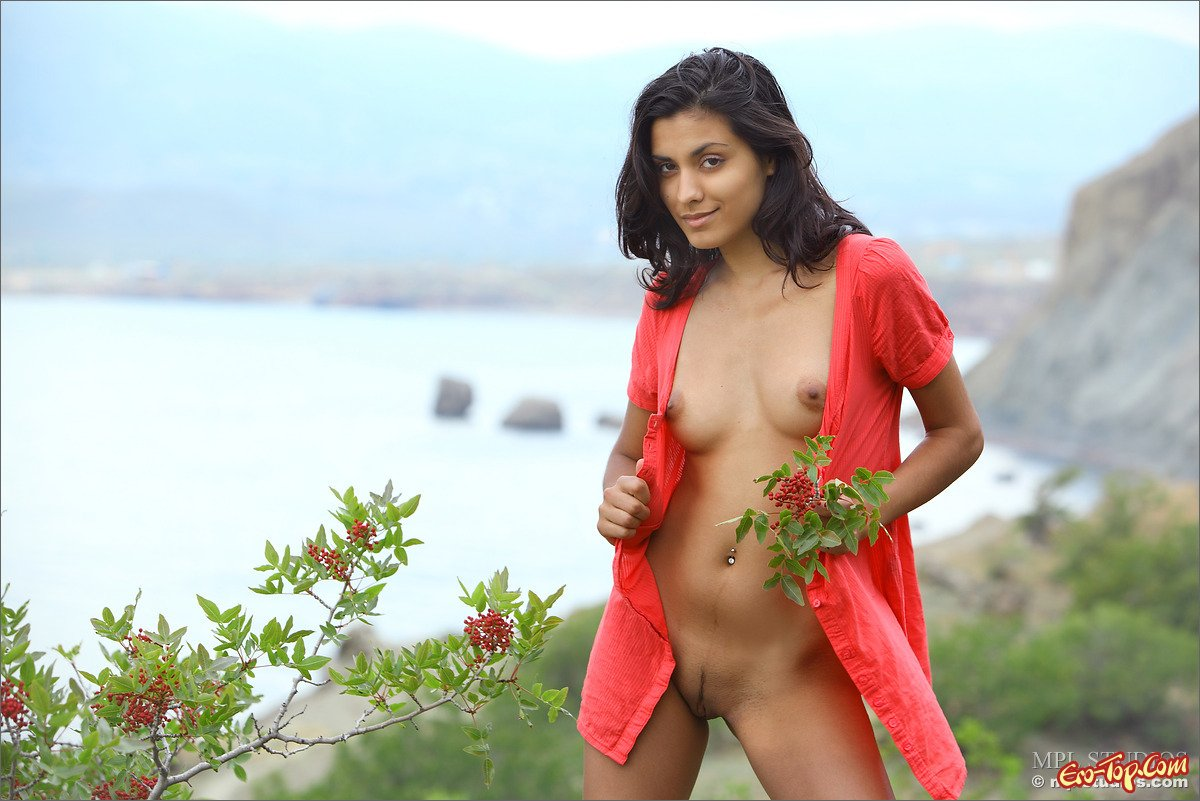 Naked gypsy girls pictures #9