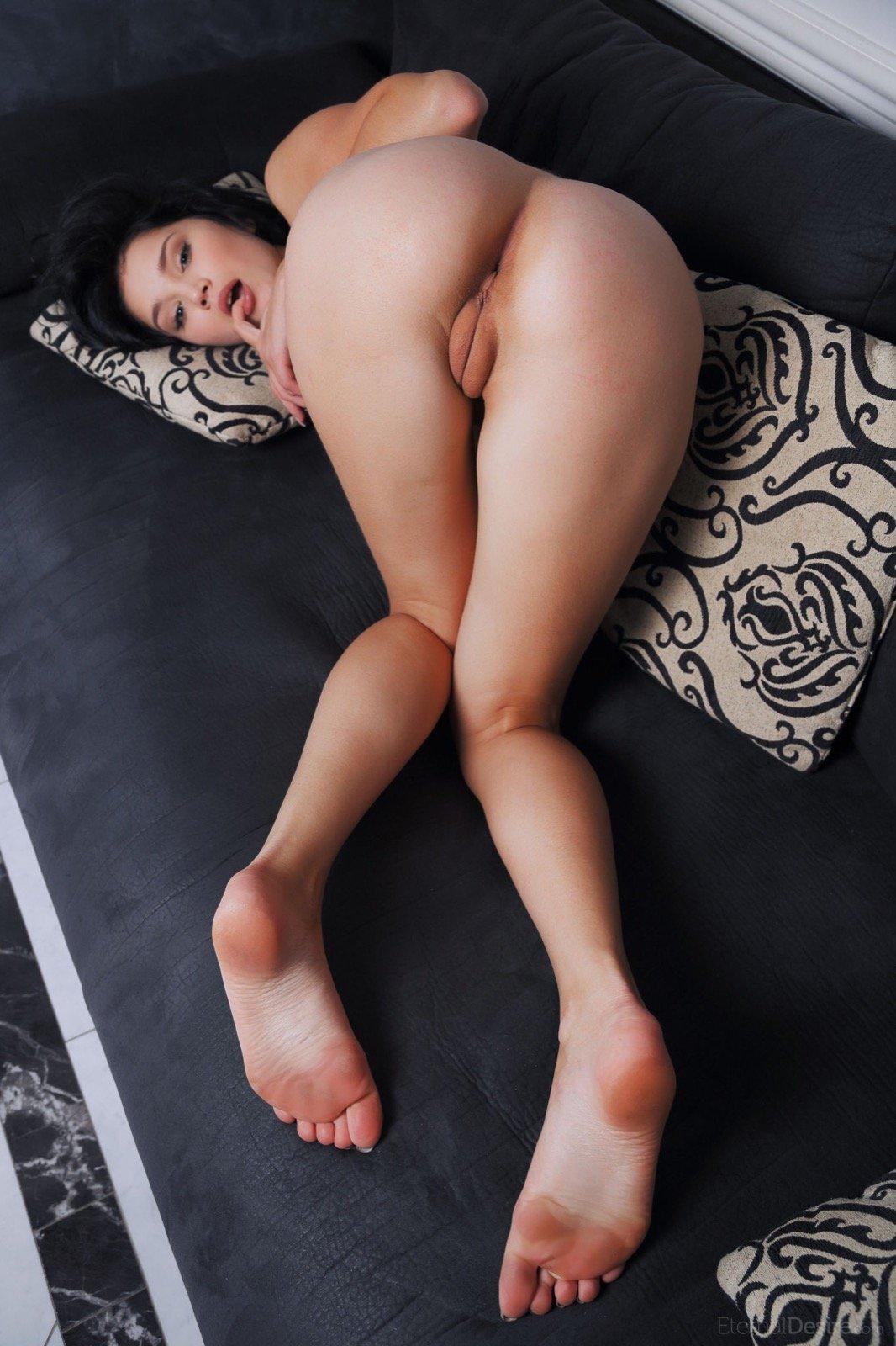 Попка вверх ногами, супруга изменяет на шашлыках
